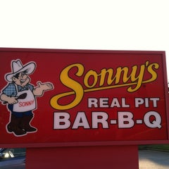 Photo taken at Sonny's BBQ by Clarke A. on 10/25/2012