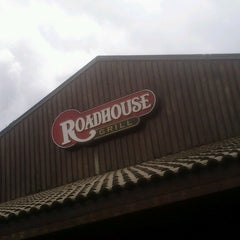 Photo taken at Roadhouse Grill by Gustavo L. on 12/15/2012