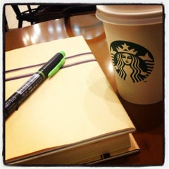 Photo taken at Starbucks Coffee 札幌ステラプレイス センター1階店 by たいちょう on 5/27/2013