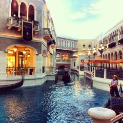 Photo taken at Venetian Resort & Casino by Pera P. on 4/8/2013