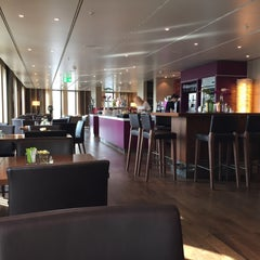 Photo taken at Executive Lounge | Marriott Hotel Berlin by sv H. on 3/10/2015