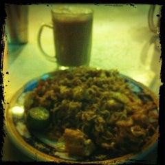 Photo taken at Restoran Uma Rani by Yeh 😍⚽🏀🍻🍔🍱🍣😍 on 2/18/2012