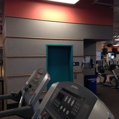 Photo taken at 24 Hour Fitness by Chase P. on 12/28/2013
