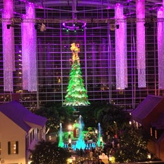 Photo taken at Gaylord National Resort & Convention Center by Wahid M. on 12/26/2012