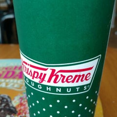Photo taken at Krispy Kreme by Zoebali M. on 12/17/2015