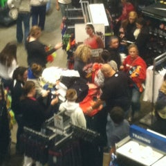 Photo taken at Dick's Sporting Goods by Donald J. on 11/23/2012