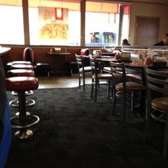 Photo taken at Carl's Jr. by Cesar L. on 12/13/2012