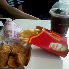 Photo taken at McDonald's by Maan R. on 2/3/2013