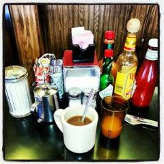 Photo taken at Red Hut Café Nevada by DavidPatrone P. on 12/12/2012