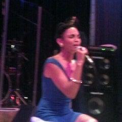 Photo taken at Yoshi's Jazz Club & Japanese Restaurant by Dre on 11/19/2011
