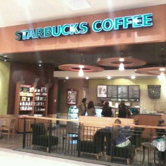 Photo taken at Starbucks by Paulina G. on 10/1/2012