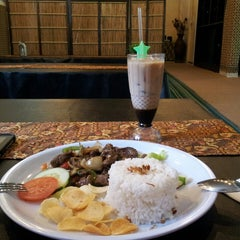 Photo taken at Restoran D'KL by Ng N. on 11/3/2013