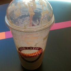Photo taken at Dunkin' Donuts by Jose H. on 1/23/2013