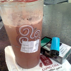 Photo taken at Gong Cha by Annette M. on 11/11/2014
