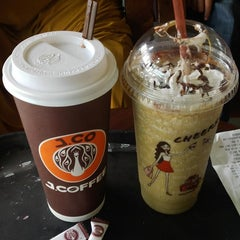 Photo taken at J.Co Donuts & Coffee by Yusfomen r. on 6/15/2014
