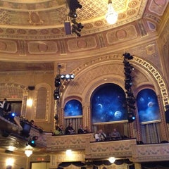 Photo taken at Eugene O'Neill Theatre by Olik B. on 4/20/2013