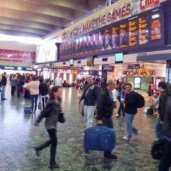 Photo taken at London Euston Railway Station (EUS) by Talal I. on 9/16/2012