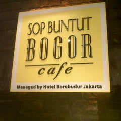 Photo taken at Sop Buntut Bogor Cafe by Jay F. on 9/15/2012