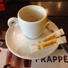 Photo taken at Havanna Café by Náthalie G. on 11/13/2013