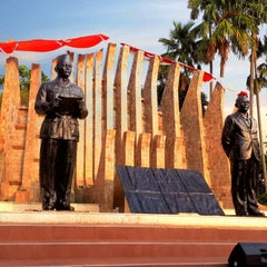 Photo taken at Tugu Proklamasi (Proclamation Monument) by Arifin 黎. on 8/16/2014