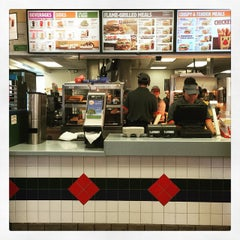 Photo taken at Burger King® by Zulma A. on 5/3/2015