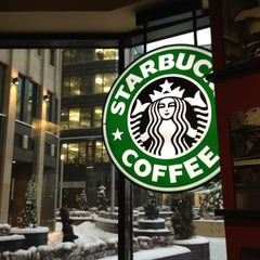 Photo taken at Starbucks by Stanny S. on 11/29/2012