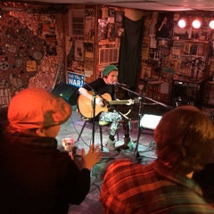 Photo taken at The Empty Glass by Byron M. on 1/29/2015