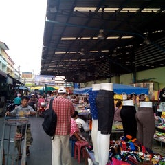 Photo taken at ตลาดใหม่นาเกลือ by Nik D. on 11/27/2014