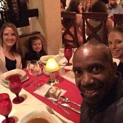 Photo taken at Veneto Restaurante by Ernest D. on 12/10/2015