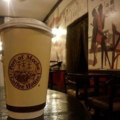 Photo taken at Port of Mocha Coffee House by Takashi O. on 1/3/2014