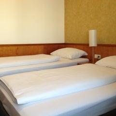 Das Foto wurde bei Hotel Donauzentrum von Ivo H. am 10/20/2012 aufgenommen
