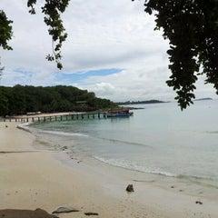 Photo taken at Ao Cho Grande Ville Resort by rungrat on 9/16/2012