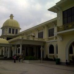Photo taken at Istana Negara (National Palace) by iRizka on 1/28/2013