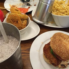 Photo taken at Gourmet Burger Kitchen by Syazlin A. on 7/19/2015