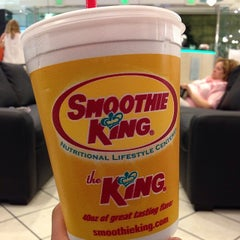 Photo taken at Smoothie King by Sang L. on 5/4/2014