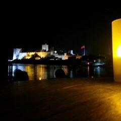 Photo taken at Moonlight Cafe Bar by Mehmet Ali Ö. on 1/4/2013