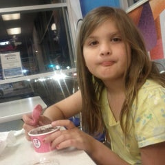 Photo taken at Baskin Robbins by Perry K. on 9/14/2013