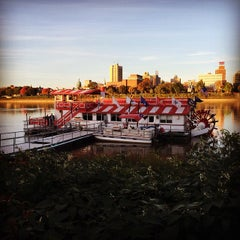 Photo taken at Pride of the Susquehanna Riverboat by Be V. on 10/19/2014