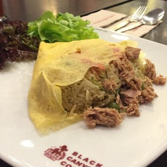 Photo taken at Black Canyon (แบล็คแคนยอน) by Tuangporn T. on 12/14/2014