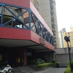 Photo taken at Escola Superior de Propaganda e Marketing (ESPM) by JC R. on 11/13/2012