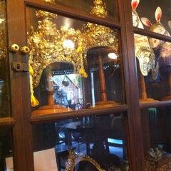 Photo taken at Ruean Thai Hotel Sukhothai by Varunya N. on 6/29/2014