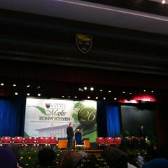 Photo taken at Dewan Tunku Canselor by Ĵëии Ŧ. on 12/15/2012