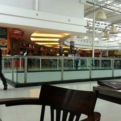 Photo taken at Shopping São José by Lizeth E. on 10/13/2012