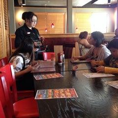 Photo taken at Red Robin Gourmet Burgers by Joel Y. on 4/17/2014