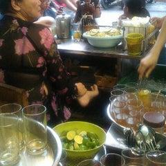 Photo taken at Trà Chanh Đào Duy Từ by Kevin V. on 10/5/2012