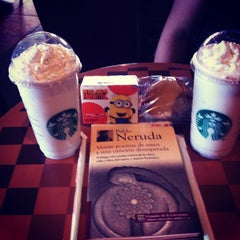 Photo taken at Starbucks by Javier T. on 7/28/2013