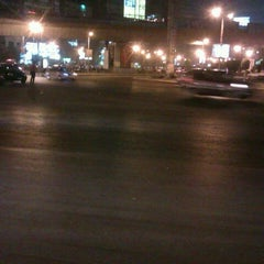 Photo taken at Sphinx Square   ميدان سفنكس by Magd Elislam S. on 9/15/2012