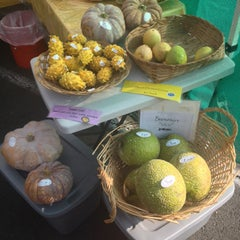 Photo taken at Keauhou Farmer's Market - Sheraton by Theresa . on 10/26/2013