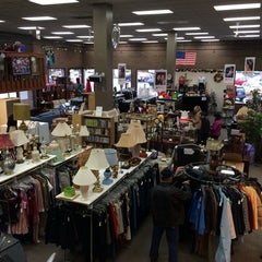 Photo taken at Heart Home Thrift Store by Paolo T. on 12/22/2013
