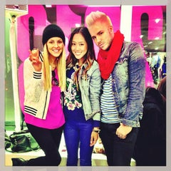Photo taken at Juicy Couture by Jake Spencer H. on 2/6/2013